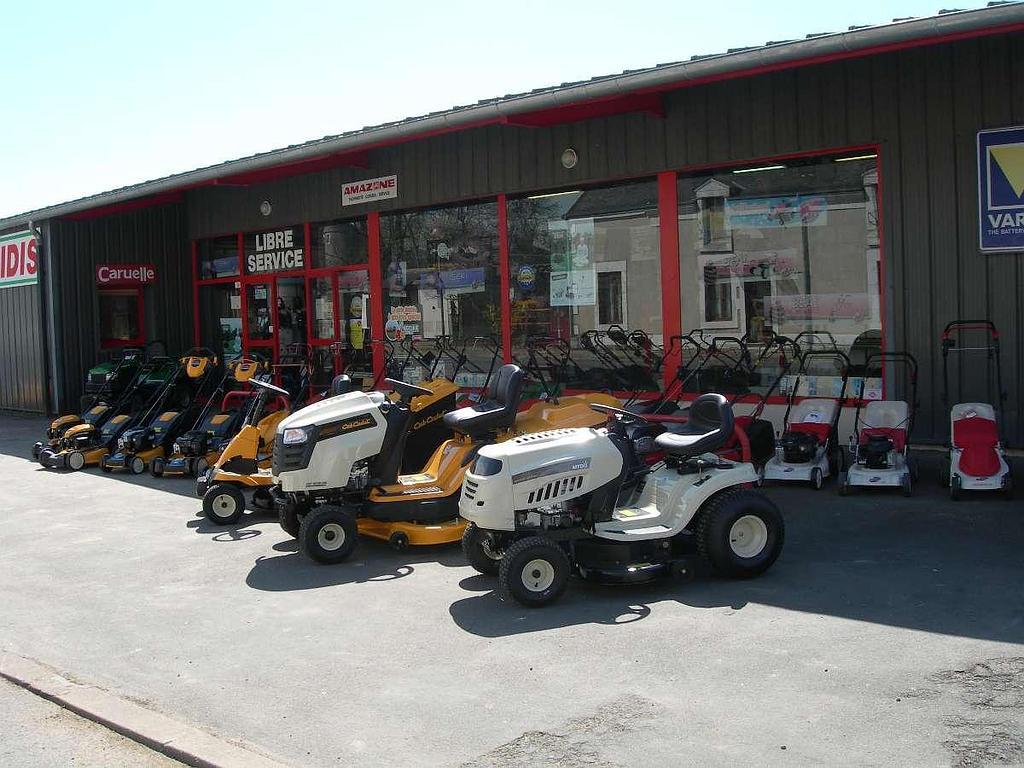 Différents tracteurs tondeuses sur Châteauroux | Ets Pierre Penot
